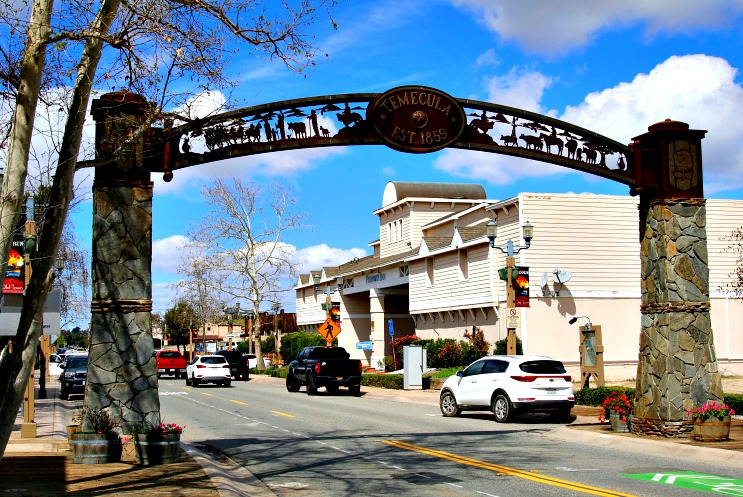 Temecula Valley: Historic Old Town, Wine Country and More
