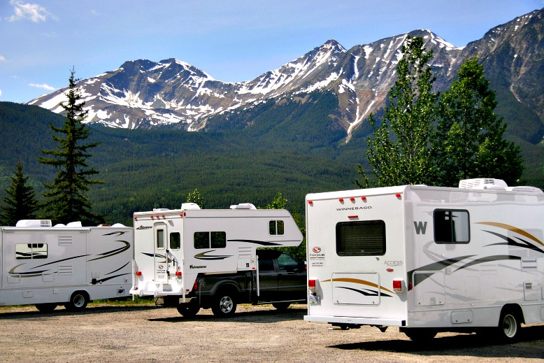 6 Ways to Save Money on an RV Road Trip