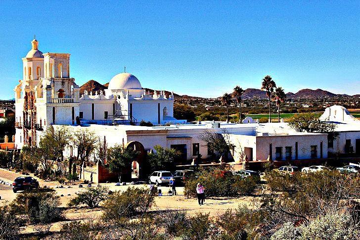 Mission San Xavier del Bac: White Dove of the Desert