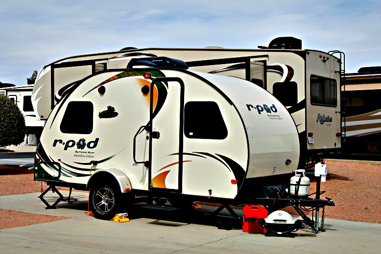 The Pros and Cons of Buying a Travel Trailer